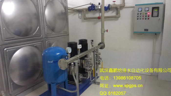 一台变频恒压供水控制柜,配套不锈钢管道阀门,加装水箱液位显示报警